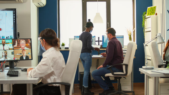 Esade Creapolis adapta sus salas de eventos y reuniones con nuevas soluciones TIC