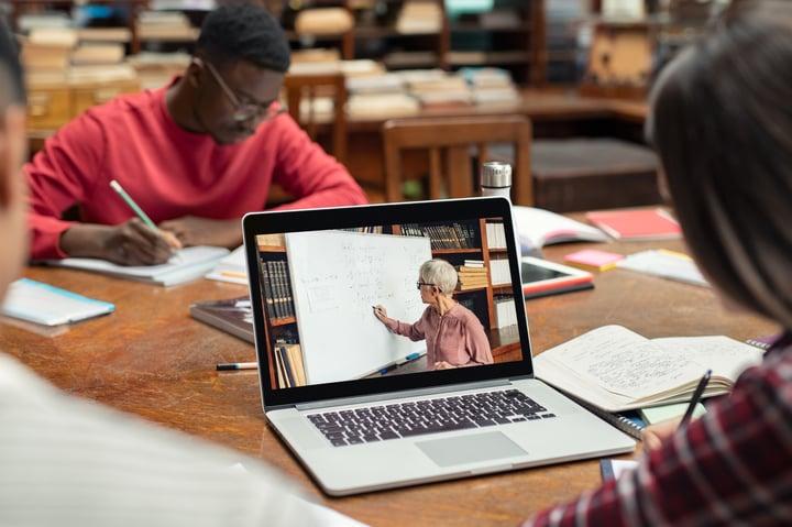La startup Xtudeo y Esade Creapolis lanzan un innovador programa de formación para autónomos